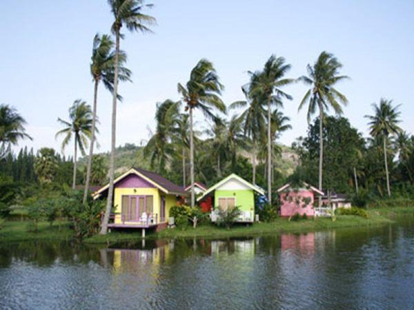 Greenfield Valley Fishing & Cottage Resort Hua Hin