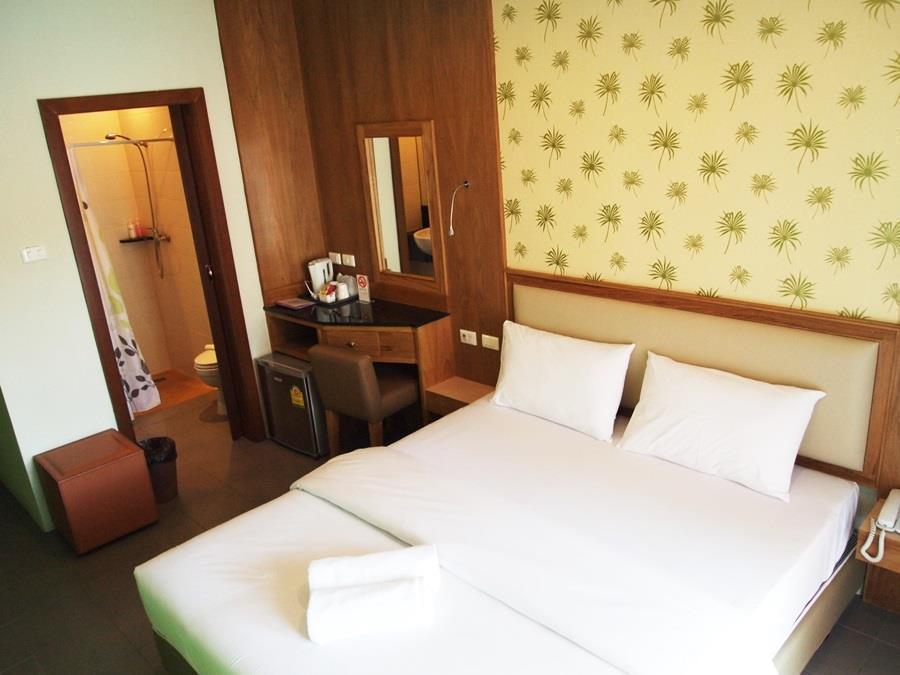 Phuket Ecozy Hotel
