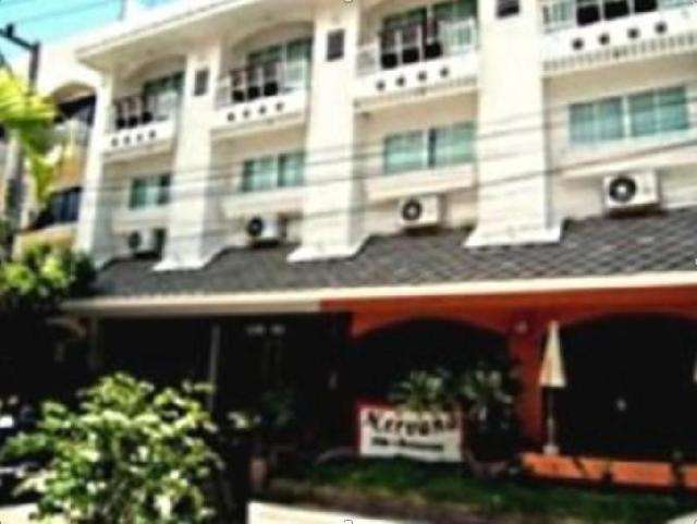 โรงแรมแซนด์อินน์ – Sand Inn Hotel