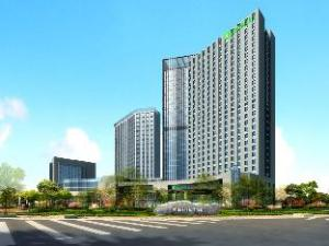 Holiday Inn Nantong Oasis International