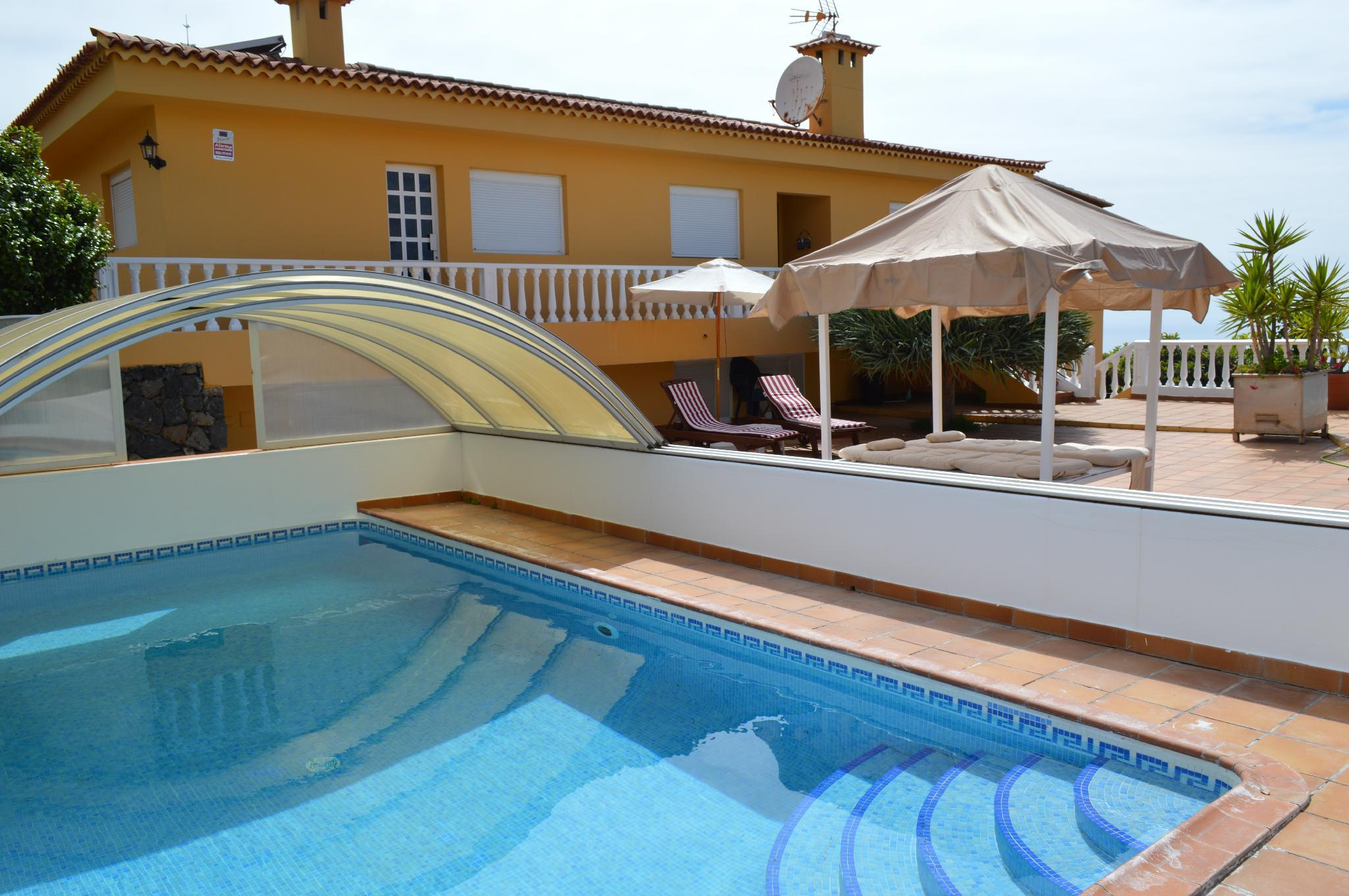 Nice villa, located in a quiet residential area .