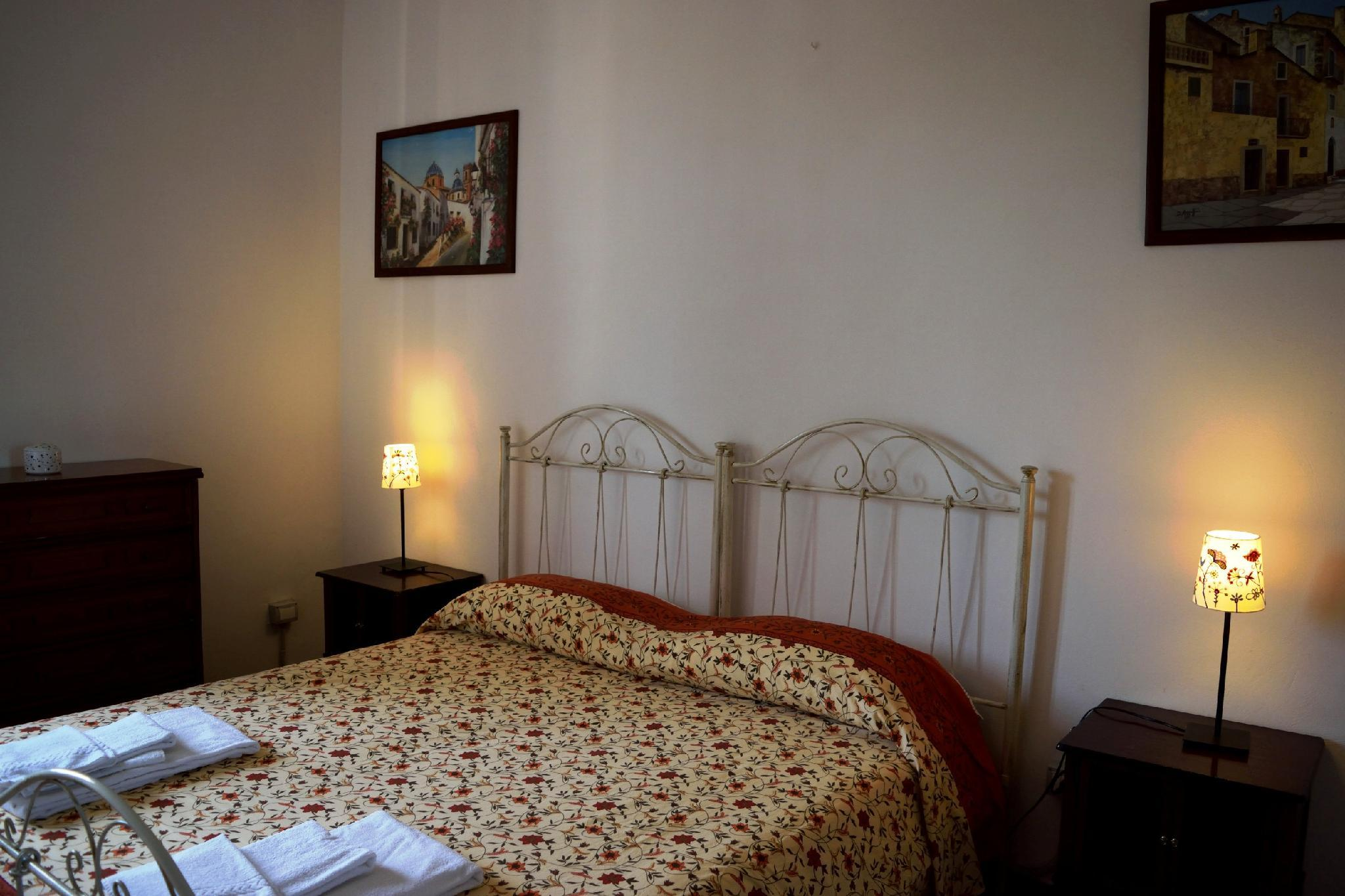 Accommodation Ideal For A Couple With A Bimbo