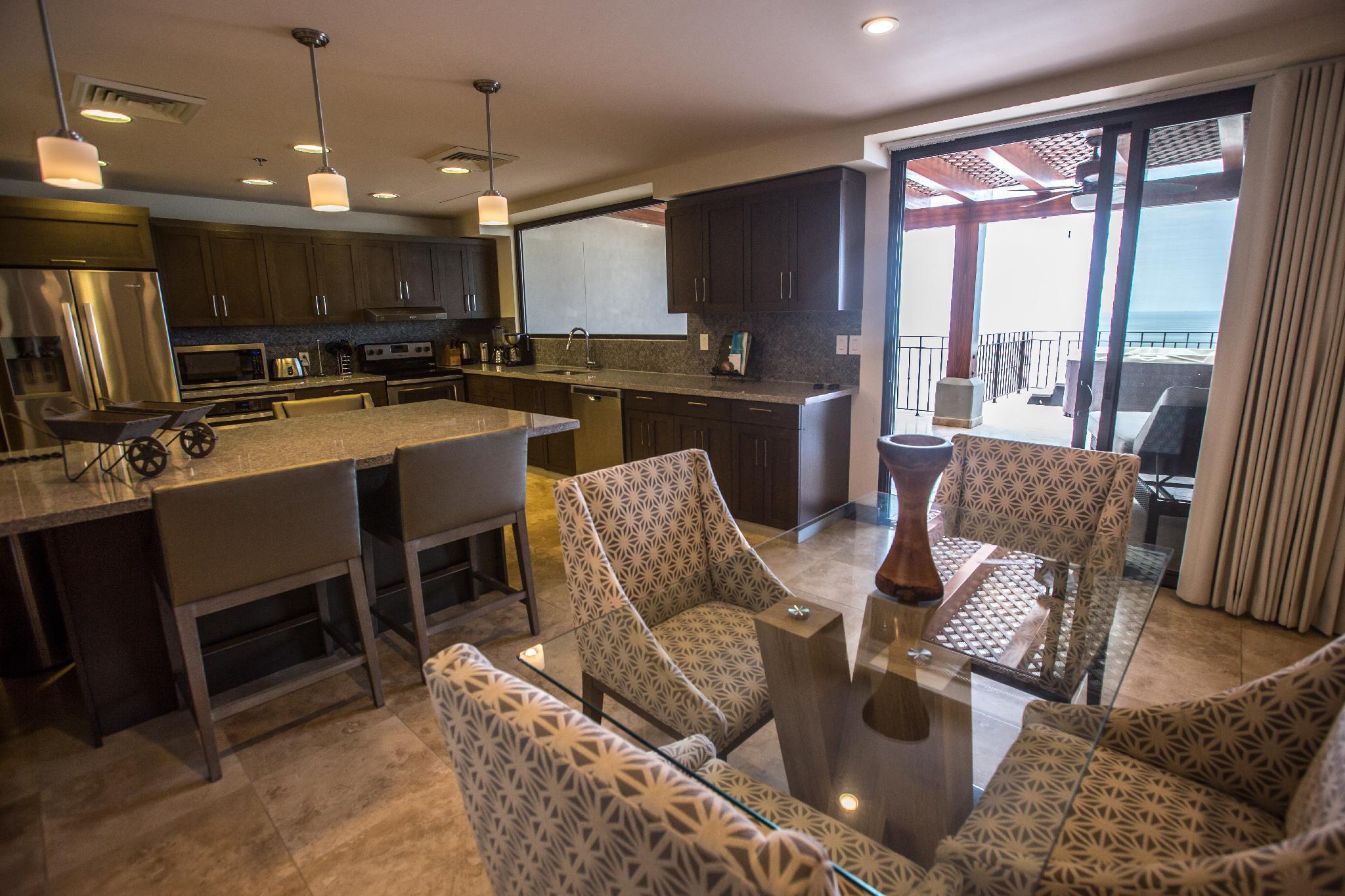 3 Bedroom Penthouse At Croc's Resort & Casino