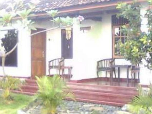 Hotel Tara Bar & Resto Air Sanih