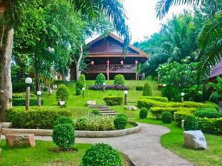 Pechpailin Resort เพ็ชรไพลิน รีสอร์ต