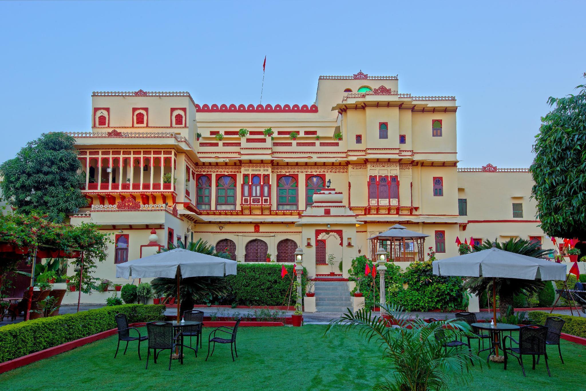 Hotel Fort Dhariyawad