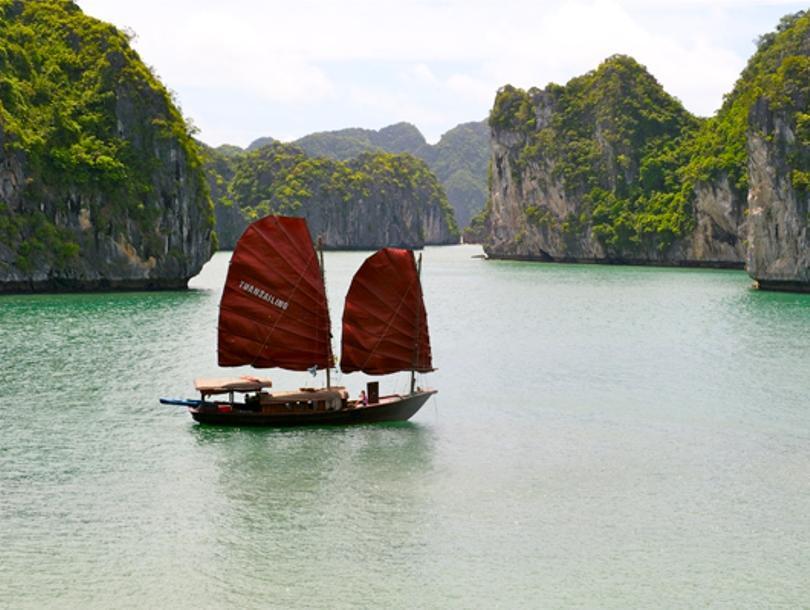 Tuan Sailing Cruise
