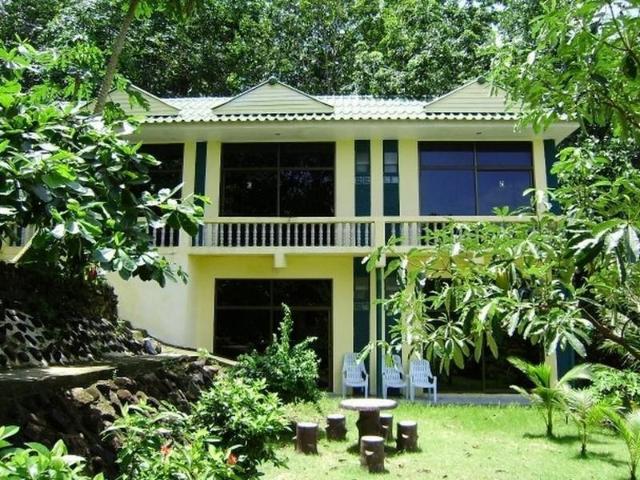 ไอส์แลนด์ ลอดจ์ – Island Lodge