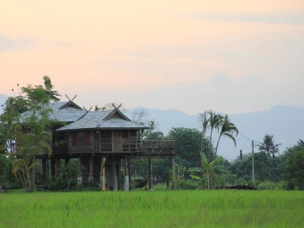 Oey-Chan-Dha Villa Chiang Mai
