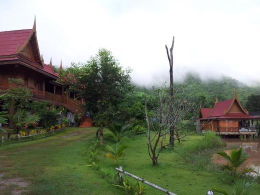 Lom Rak Resort