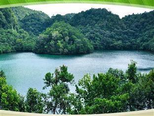 picture 4 of Hidden Island Resort