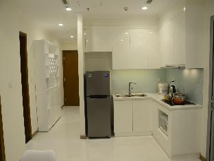Smiley Vinhomes Central Park 5 - High-floor 2BR Serviced Apartment with City View