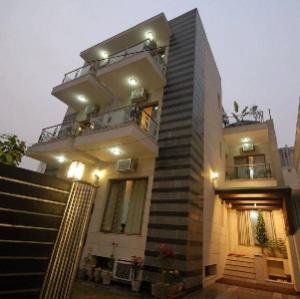 7110 Residency