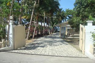 picture 2 of White House, Batangas, Beachfront