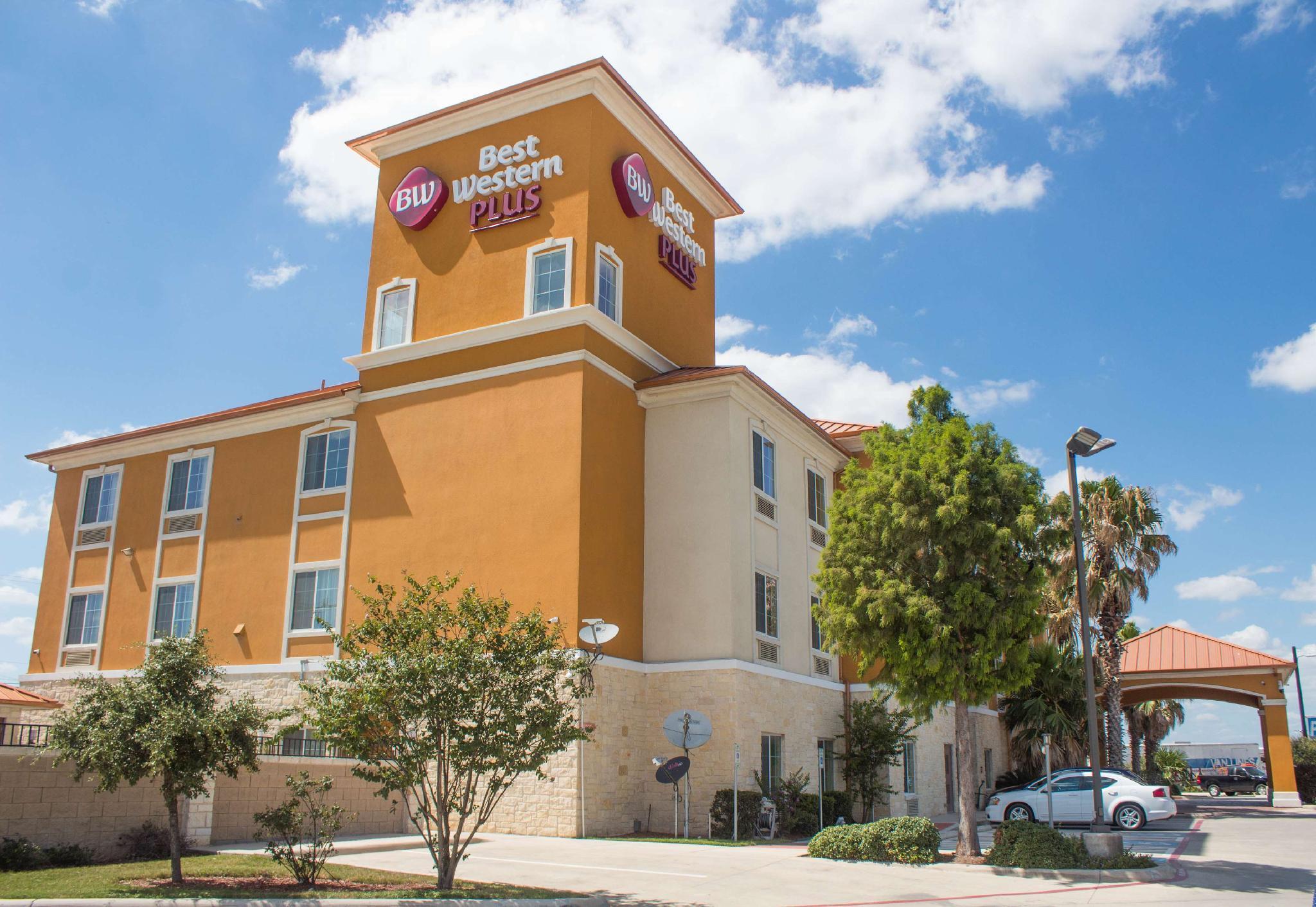 Best Western Plus San Antonio East Inn And Suites