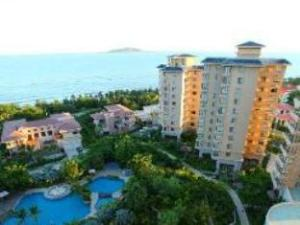 Blue Life Just 18 Hotel