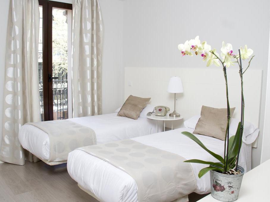 8Rooms Madrid Hotel