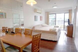 21st Fl. 2BR The Best location,Clean,Convenient - Bangkok