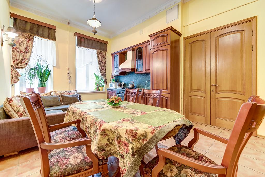 Guest Rooms In The Centre Of Saint Petersburg