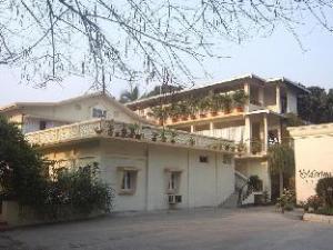 O Marina's Motel (Marina's Motel)