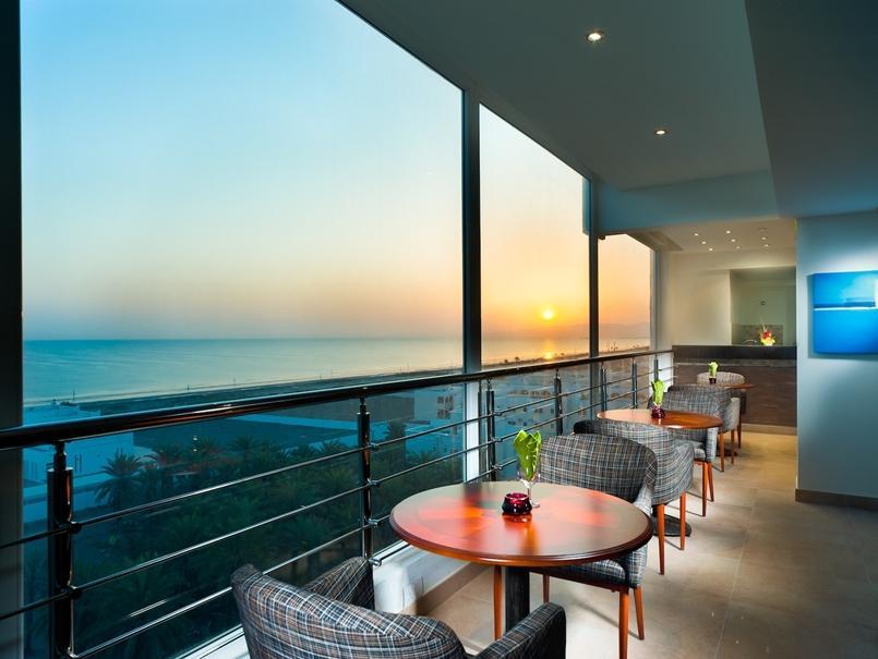 Al Hail Waves Hotel