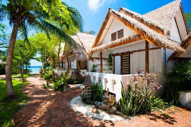 ซันไชน์ บีช รีสอร์ท – Sunshine Beach Resort