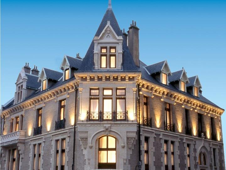 Privilodges Chateau Perrin