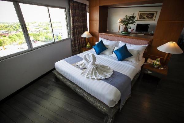 Friday Hotel Uttaradit