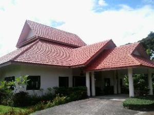 DHC リゾート (DHC Resort)
