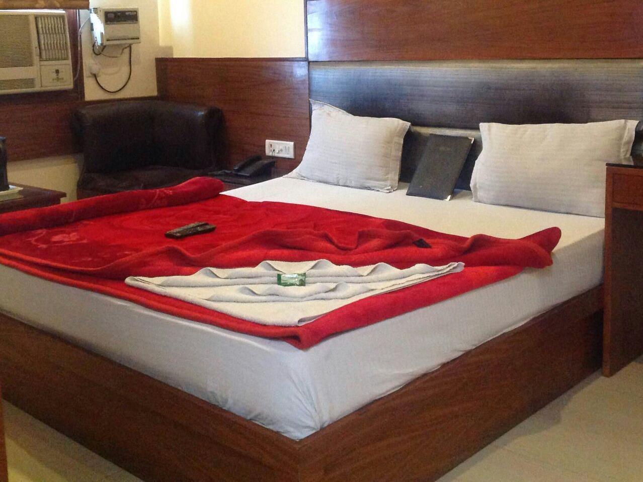 Hotel Lav Kush Deluxe