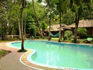 Sterling Woods n Spice Resort
