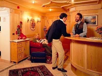 Hotel Garni Concordia   Dolomites Home