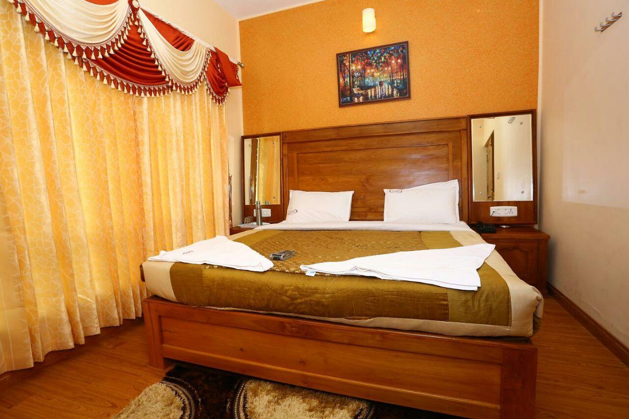 Lagana MMR Holiday Inn