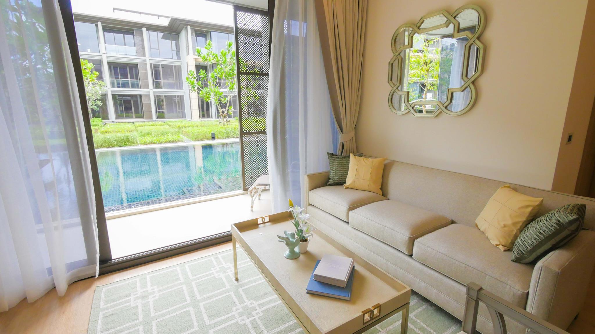Oceanfront Luxury Apartment Pool Access Room