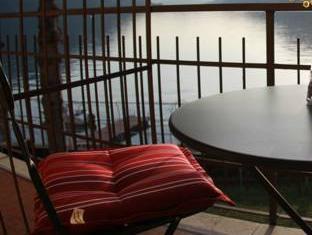 Lake Como Beach Resort Waterfront Villas