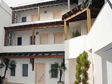 7. Art Feslegen Hotel