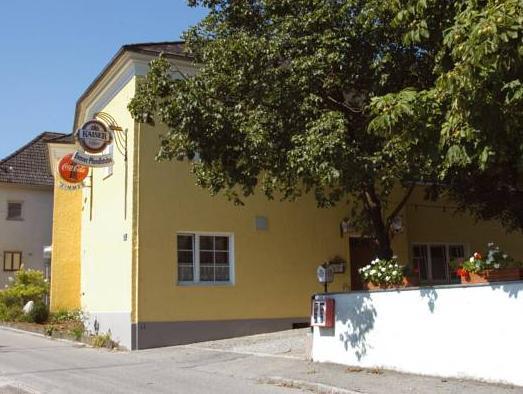 Gasthaus And Hotel Backhendlstation