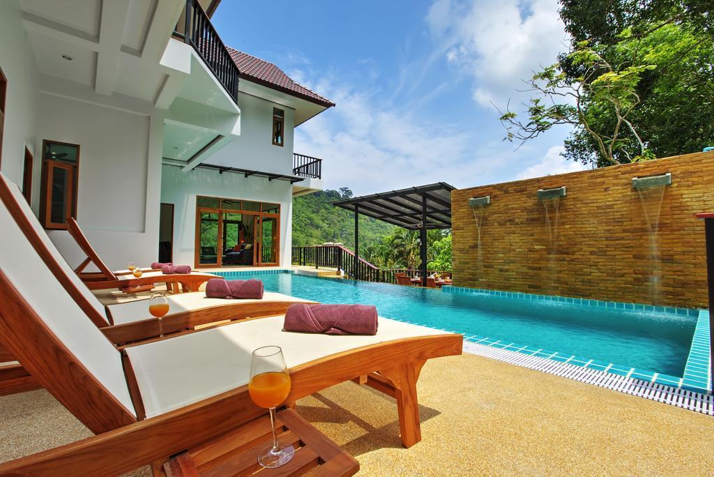 Luxury 8 Bedroom Villa Sleeps 16 in Patong Phuket Reviews