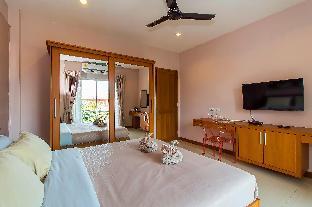 %name Modern 7 Bedroom Sleeps 14  Pool Villa in Pattaya พัทยา