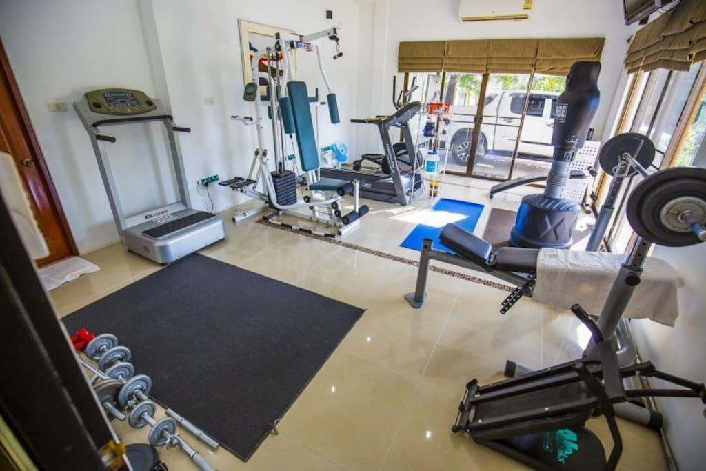 Price Private Luxury Villa 4 Bed with pool in pattaya
