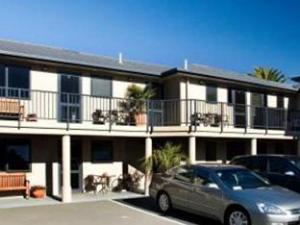 Blenheim Palms Motel