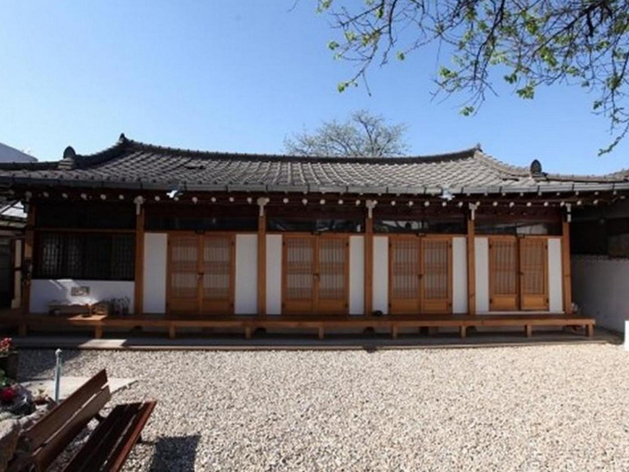 Dukmanjae Hanok Guesthouse