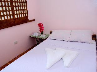 picture 2 of Isla Divina Inn