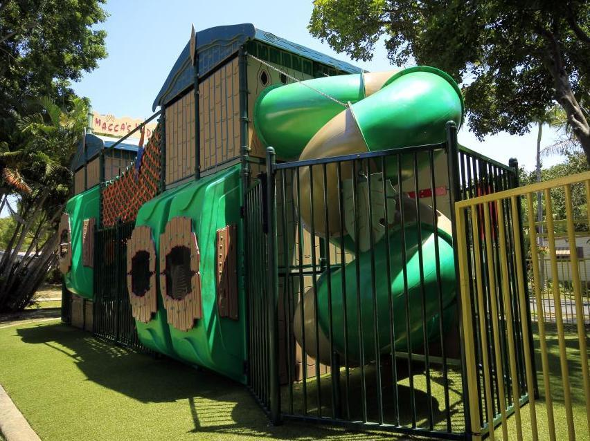Discount Ashmore Palms Holiday Village