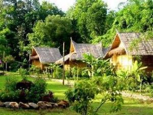 Phu Iyara Resort