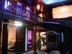 Lijiang Butterfly Inn