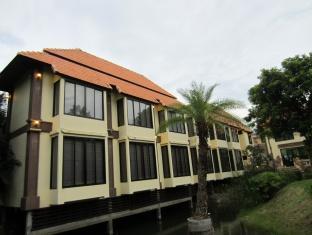 Picha Waree Resort