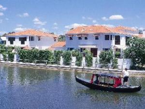 Villa Aqua