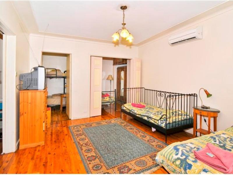 Review Burwood Bed and Breakfast