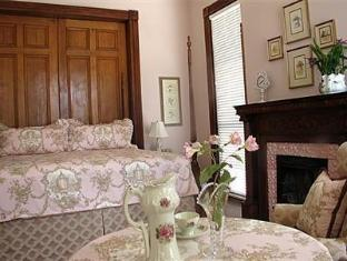 Forsyth Park Inn Bed And Breakfasts image